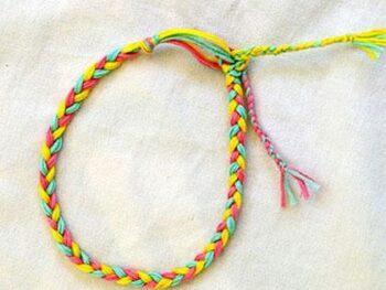 Easy Kids Friendship Bracelet