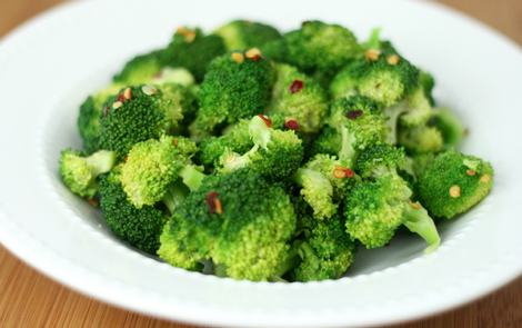 how to cook broccoli with garlic