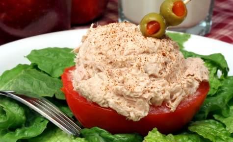 Chicken-Salad-in-Tomato