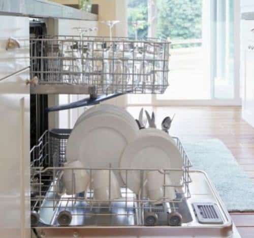 Simple Ways to Clean Kitchen Messes