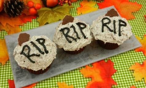 Halloween Grave cupcakes recipe