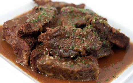 Onion-Braised-Short-Ribs-1