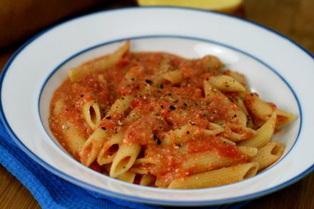 Penne-with-Creamy-Vodka-Sauce-1