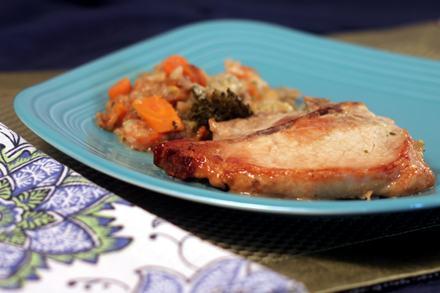 Pork_Chops_and_Cornbread_Stuffing