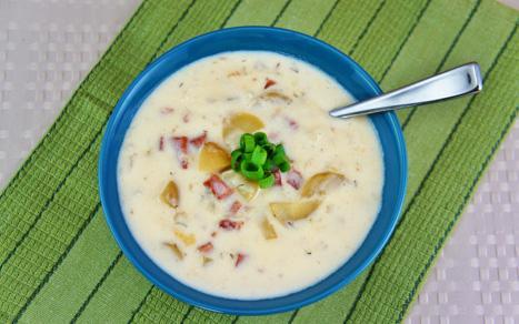 Slow_Cooker_Creamy_Ham_and_Potato_Soup_H1