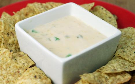 Spicy-Chili-Con-Queso-Dip-2