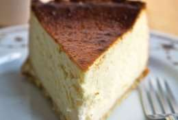Lindy's Deli Cheesecake