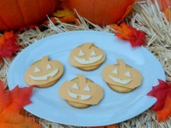 Jack 'O Lantern Cheese and Crackers